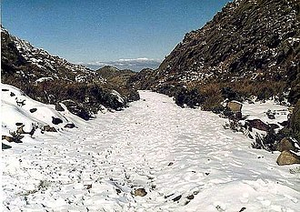 Itatiaia - Snow in the Itatiaia National Park in 1985, where the temperature in that year had a minimum record of -13 °C (8.6 °F).