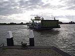 Nieuwe Waterweg veerboot bij aanlegsteiger.JPG