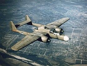 Un P-61 en vol dans les années 1940