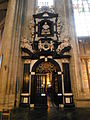 Notre-Dame du Sablon, entrée de la chapelle.JPG