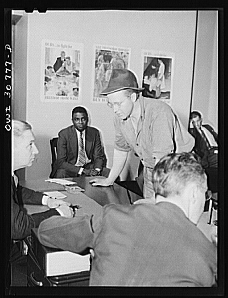 File:OPA (Office of Price Administration) lawyers hold nightly hearings 8d19625v.jpg