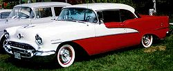 Oldsmobile 88 Holiday-Hardtop Zweitürer (1955)