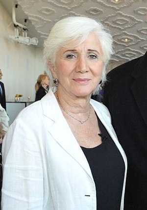 The Old Man and the Key -  Olympia Dukakis guest-starred as Grampa's love interest Zelda in the episode.