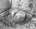 Opgegraven kolomvoet in consistorie, noord-oost zijde kerk - Haastrecht - 20099498 - RCE.jpg