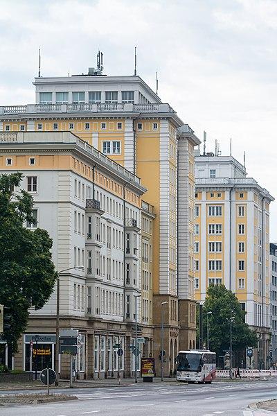 Otto Von Guericke Straße : file otto von guericke stra e 104 106 ulrichplatz 10 magdeburg altstadt wikimedia ~ Watch28wear.com Haus und Dekorationen