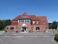 Owschlag ehemaliges Hotel am Bahnhof.jpg