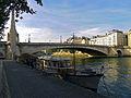 P1210235 Paris IV et V pont de la Tournelle rwk.jpg