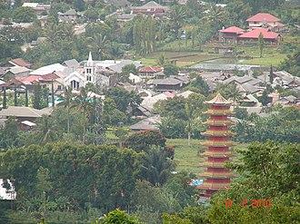 Tomohon - Pagoda in Tomohon