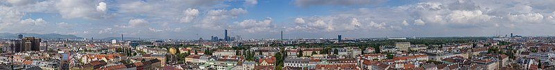 Panorama Vienna from St. Othmar - Westwestnorth to Southeast.jpg