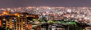 Panoramic_view_of_Caracas_night
