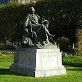 Paris October 2012 - Statue de Buffon, Jardin des Plantes (4).jpg