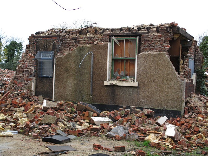 File:Partially demolished house, Field Lane, Litherland.jpg