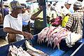 Peixes em feira livre.jpg