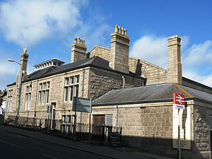 Penzance railway station - Image: Penzance station south