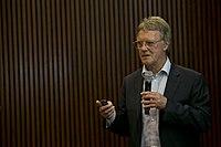 Peter J. Ratcliffe at Centro Cultural de la Ciencia 01.jpg