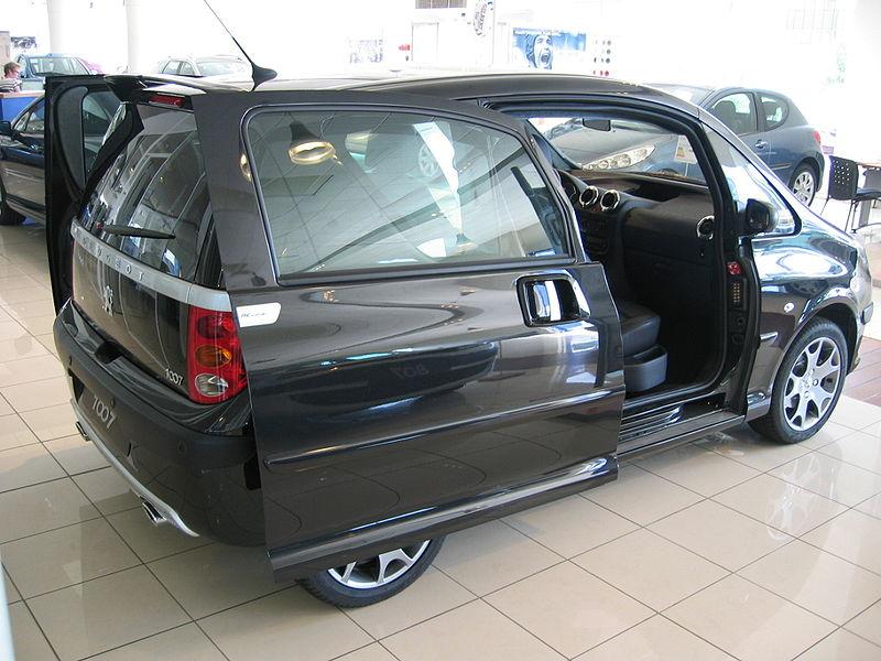 800px-Peugeot_1007_04