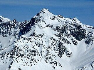 Piz Calderas mountain