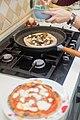 Pizza (40295714762).jpg