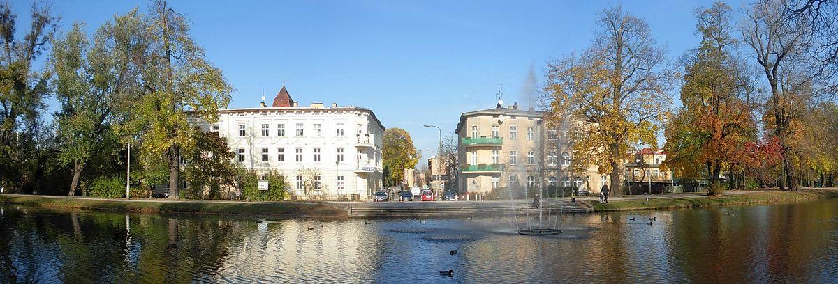 Polski: Zabudowa nad Kanałem Bydgoskim w dzielnicy Okole