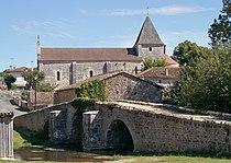 Pont eglise Vaux.jpg