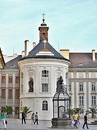 Pražský hrad kaple sv. Kříže.jpg