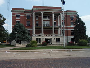 Pratt County, Kansas - Image: Pratt county kansas courthouse 2009