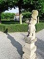 Putto Barockgarten Neunhof.JPG