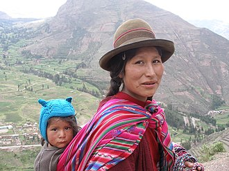 Peruvian woman and her son of indigenous descent Quechuawomanandchild.jpg