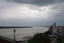 Río Guayas visto desde la Plaza del Faro