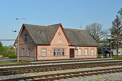 Rakke station building