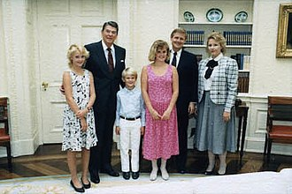 Steve Bartlett - Bartlett and his family with President Ronald Reagan in 1986