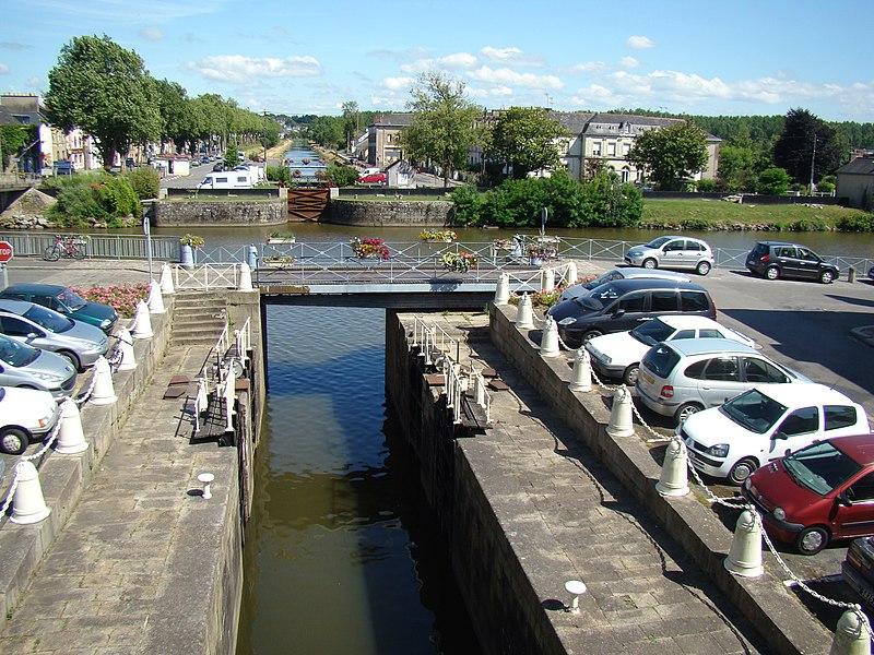 Swing bridge in Redon