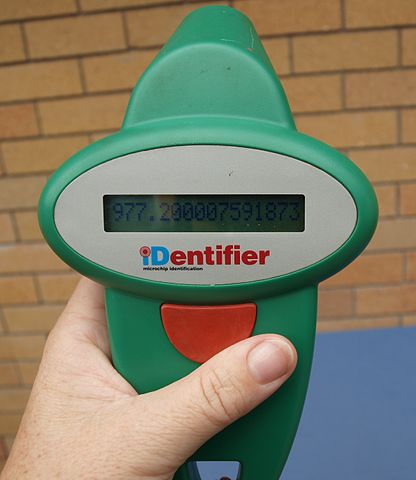 RFID Scanner By Oscar111 [Public domain], via Wikimedia Commons