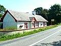 Roadside cottage - geograph.org.uk - 901897.jpg