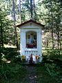 Rudnik nad Sanem - kapliczka w lesie.jpg