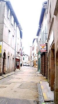 Rue Désiré-Mathivet (Tournus), vue vers l'est.jpg