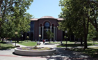 Sacramento City College - Sacramento City College Library and plaza.