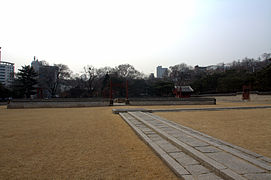 Sajikdan Shrine in Seoul, Korea 01.jpg