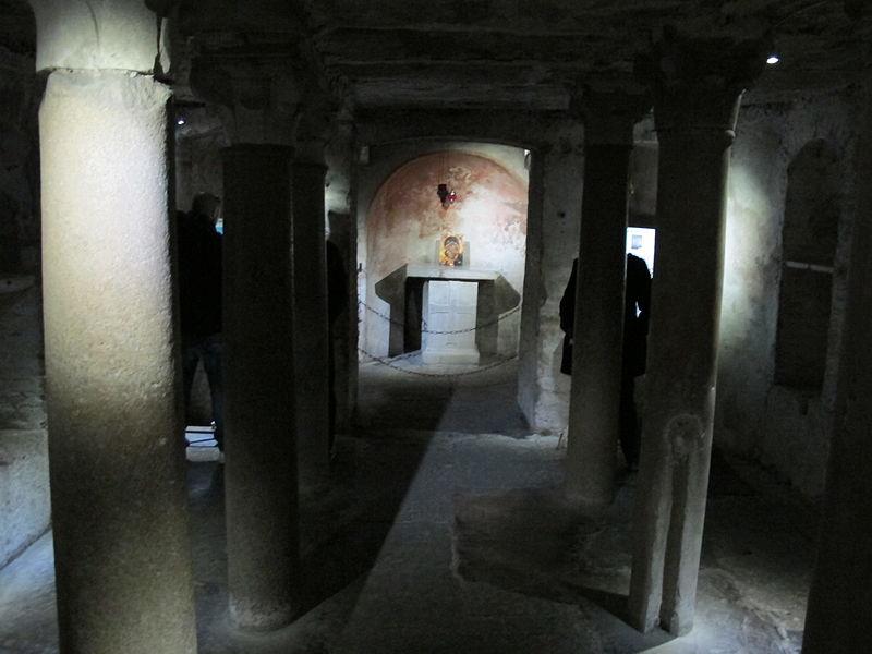 File:Santa maria in cosmedin, cripta 01.JPG