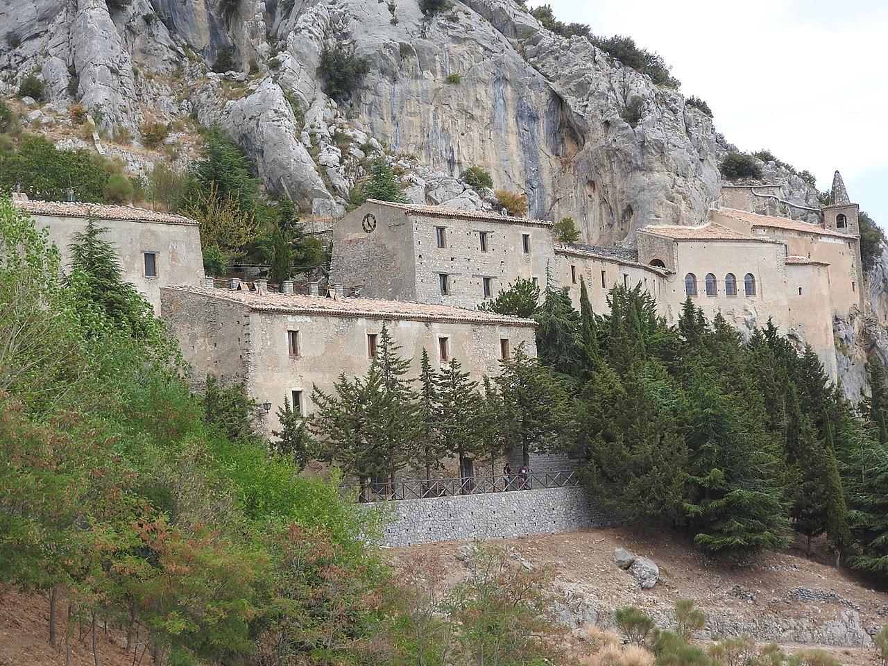 Santuario Santa Maria delle Armi Cerchira (CS)i.jpg