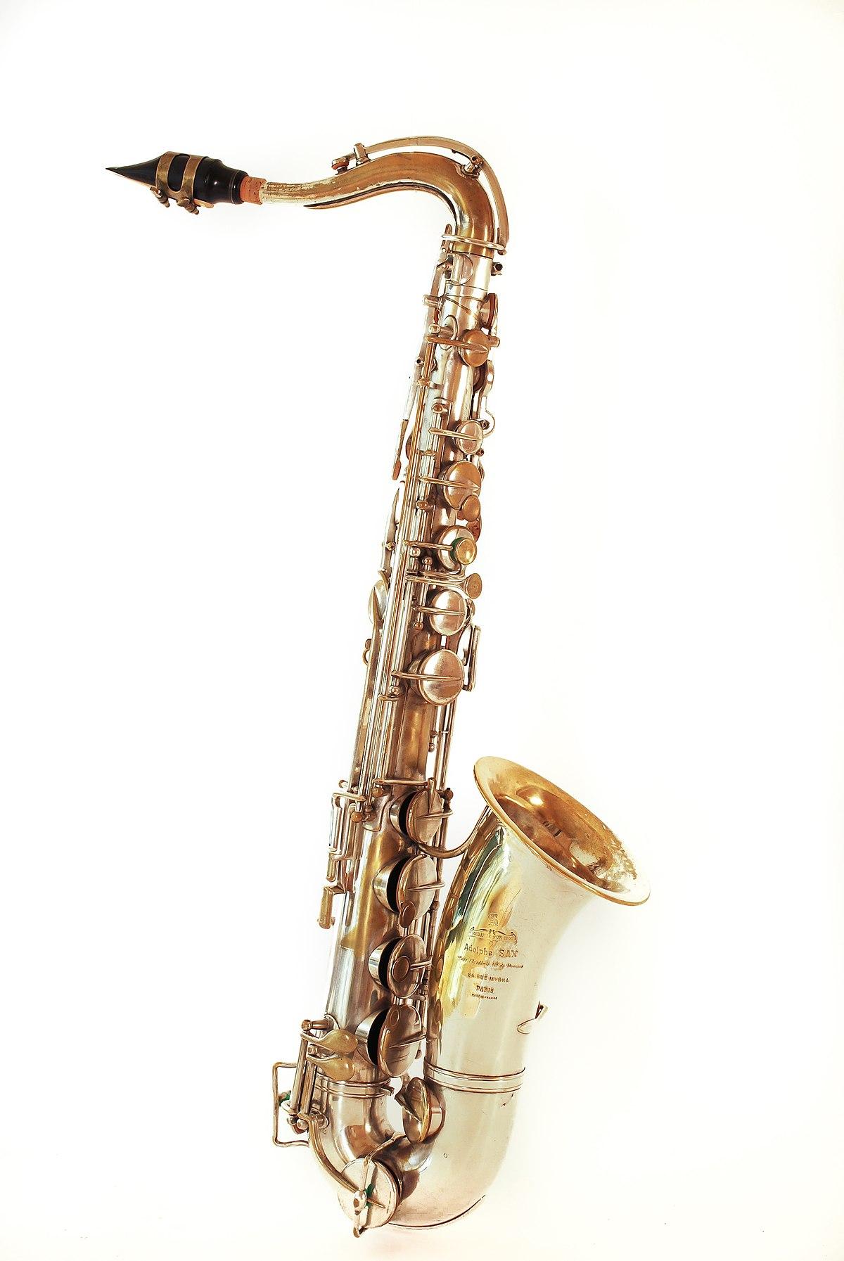 Saxòfon tenor.jpg
