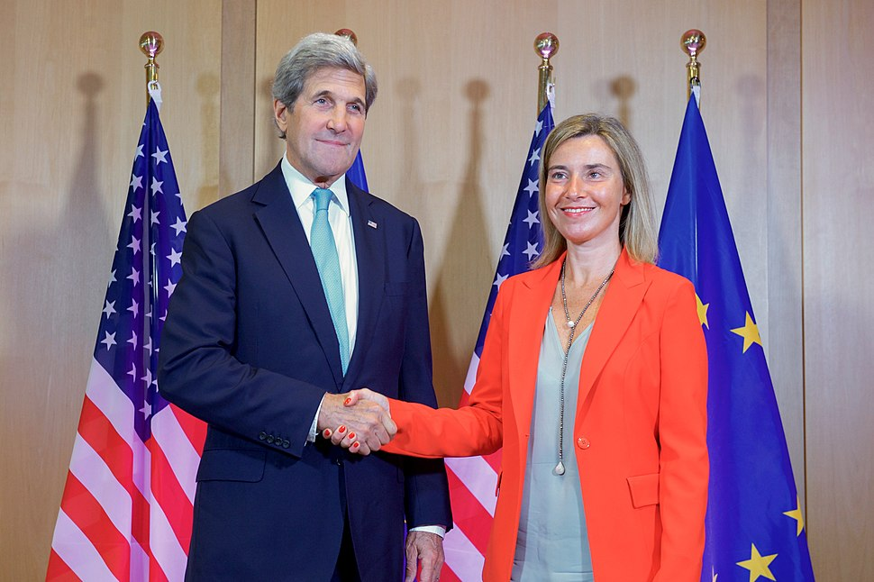 Secretary Kerry Attends Breakfast Meeting with E.U. High Representative for Foreign Affairs (27767940744)