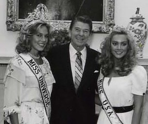 Shawn Weatherly, Ronald Reagan and Kim Seelbrede in 1981