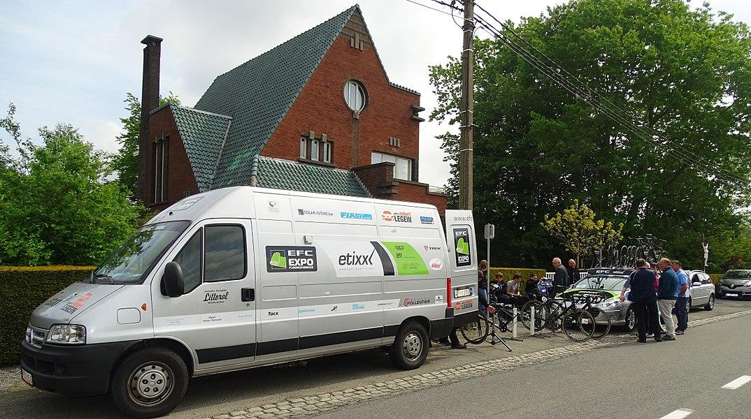 Reportage réalisé le dimanche 17 mai à l'occasion du départ du Grand Prix Criquielion 2015 à Silly, Belgique.