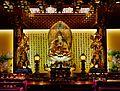 Singapore Buddha Tooth Relic Temple Innen Hintere Gebetshalle 3.jpg