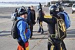 Skoki sylwestrowe sekcji spadochronowej Aeroklubu Gliwickiego, Gliwice 2017.12.30 (07).jpg