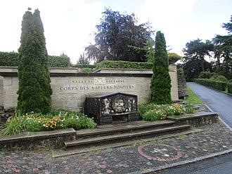 Bois-de-Vaux Cemetery - Image: Soldats du Feu