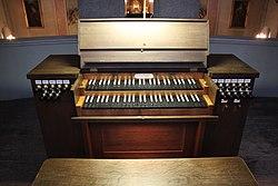 Spieltisch Orgel St. Josef-Margareten 01.jpg