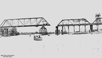 Daradgee, Queensland - Daradgee railway bridge under construction, 1924