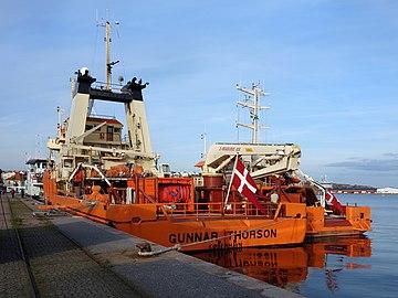 Stern view of ship Gunnar Thorson.jpg